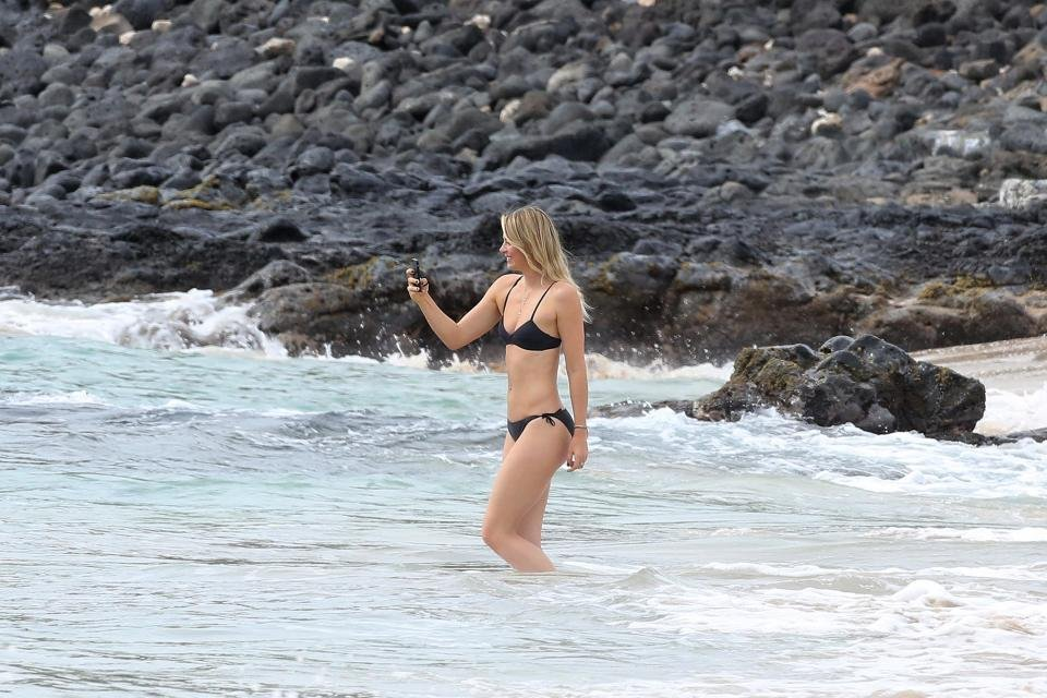 Maria Sharapova, Havai'da nefes kesti