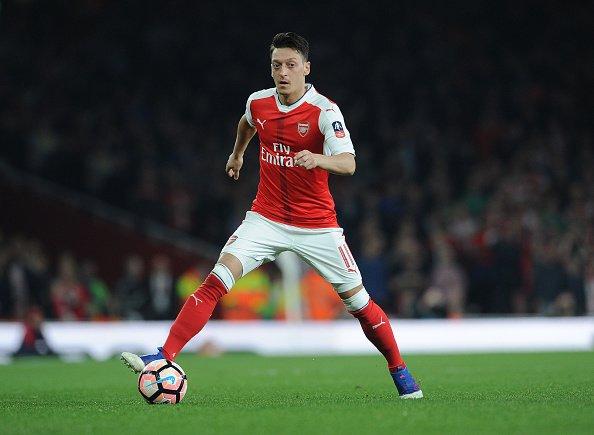 Mesut Özil'in transferi için bahis oranları