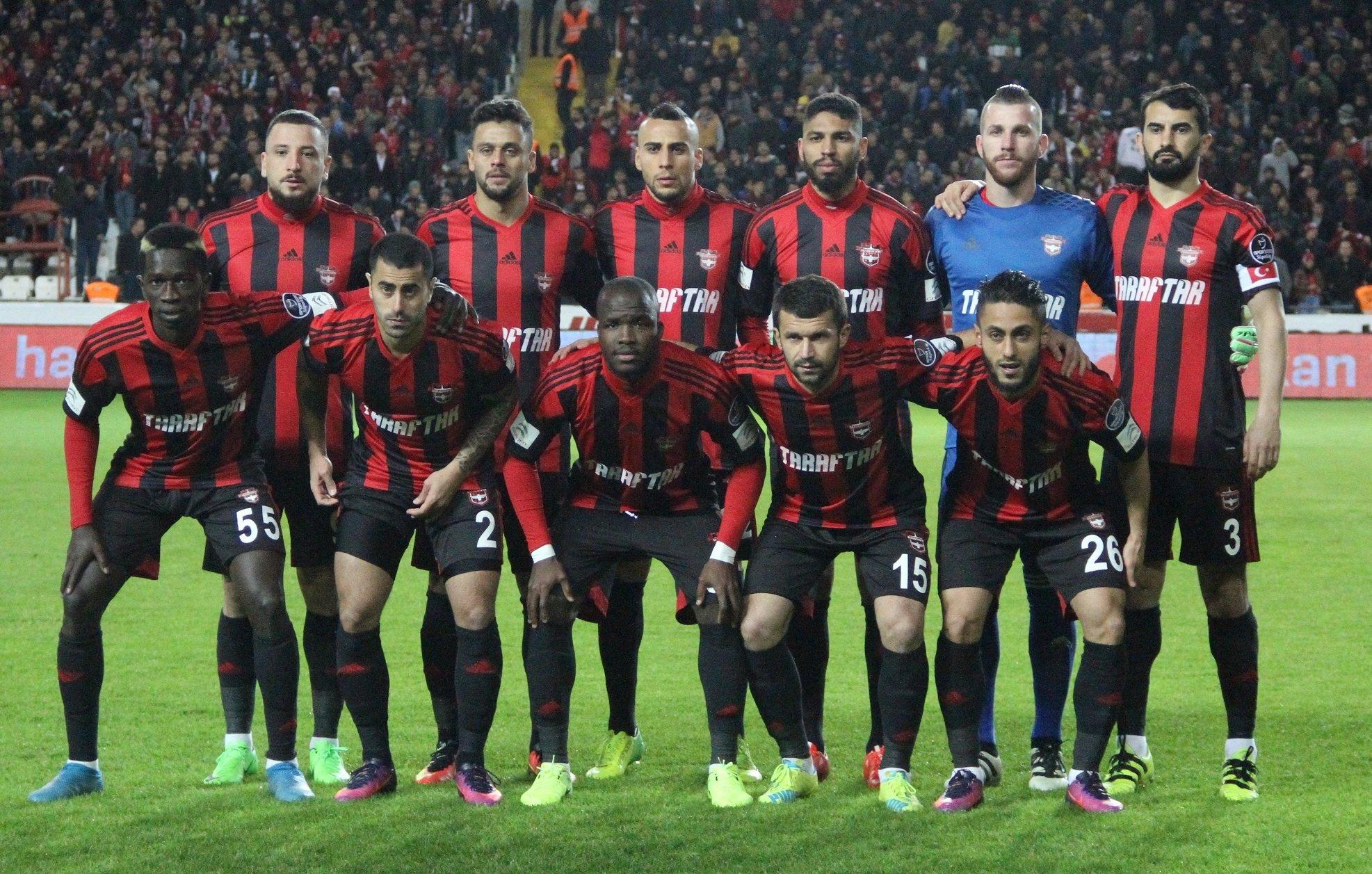 Gaziantepspor'da 14 futbolcunun sözleşmesi bitiyor