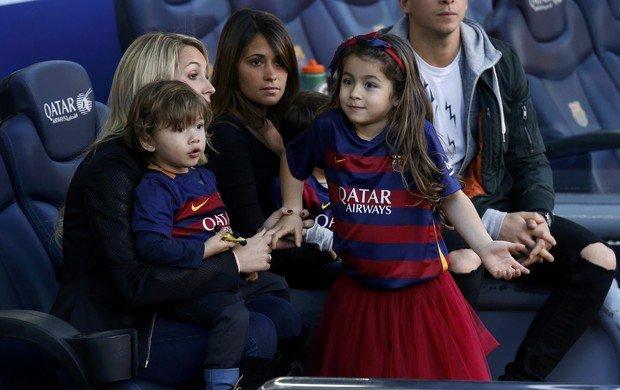 Messi'yle Suarez'in eşleri kanka oldu