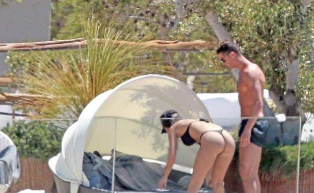 Cristiano Ronaldo yeni sevgilisiyle yakalandı