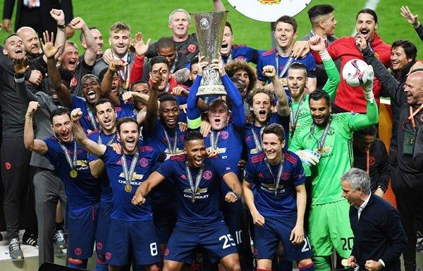 Manchester United, UEFA Avrupa Ligi'nde şampiyon oldu
