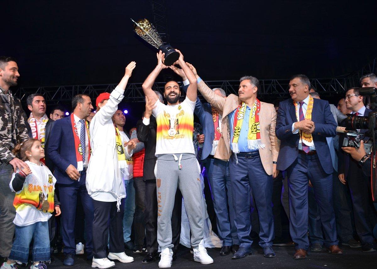 Yeni Malatyaspor kupasını aldı
