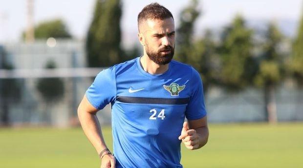 Serdar Kesimal, FutbolArena'ya konuştu! Yeni adresi...