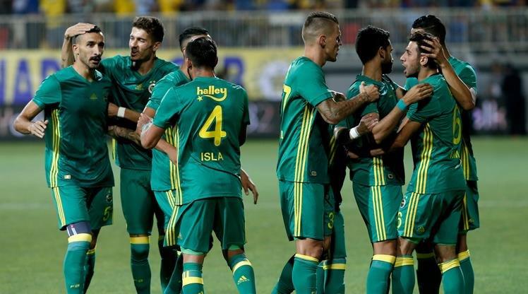 Fenerbahçe'ye sol bek transferinde sürpriz isim