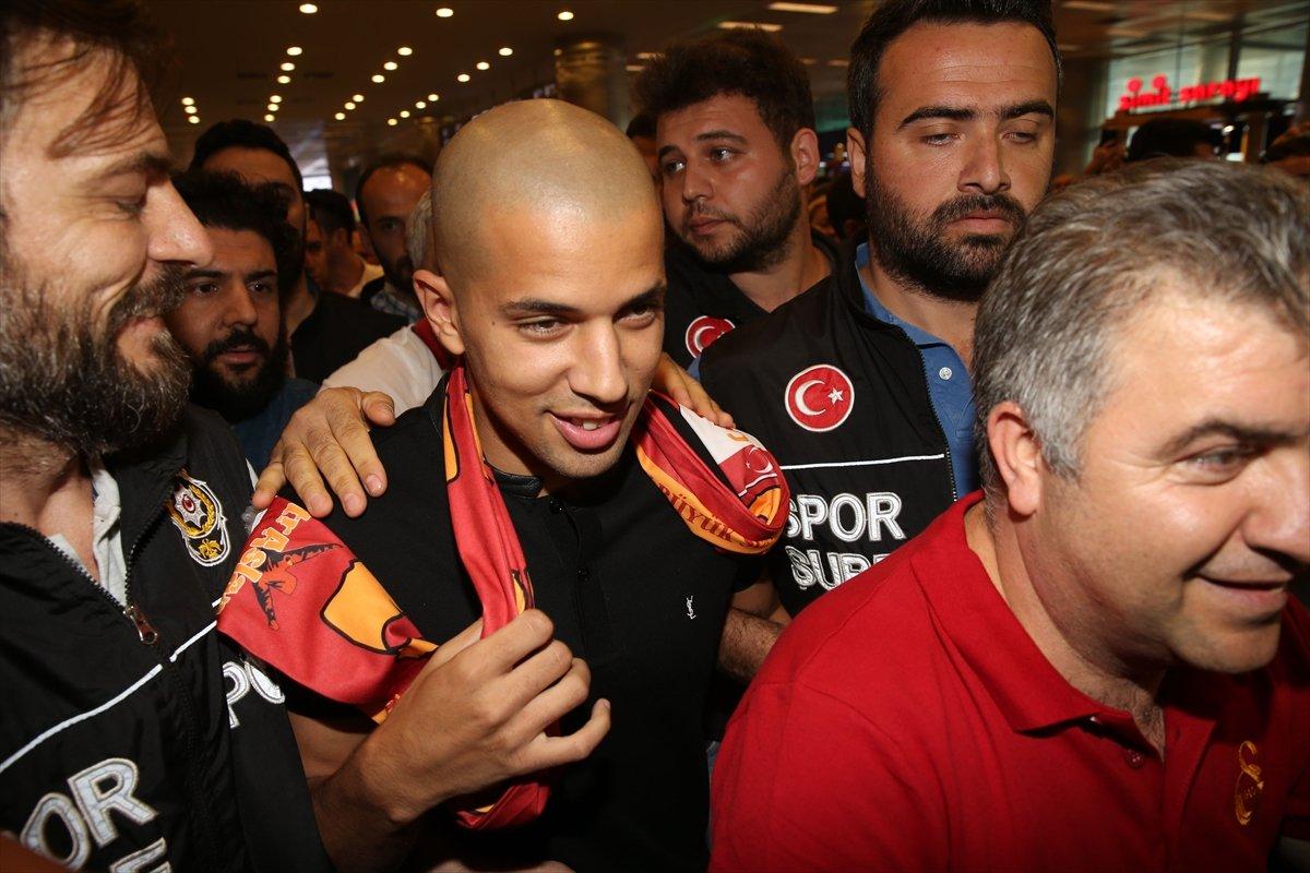 Galatasaray'ın yeni transferi İstanbul'da! A'dan Z'ye Feghouli...