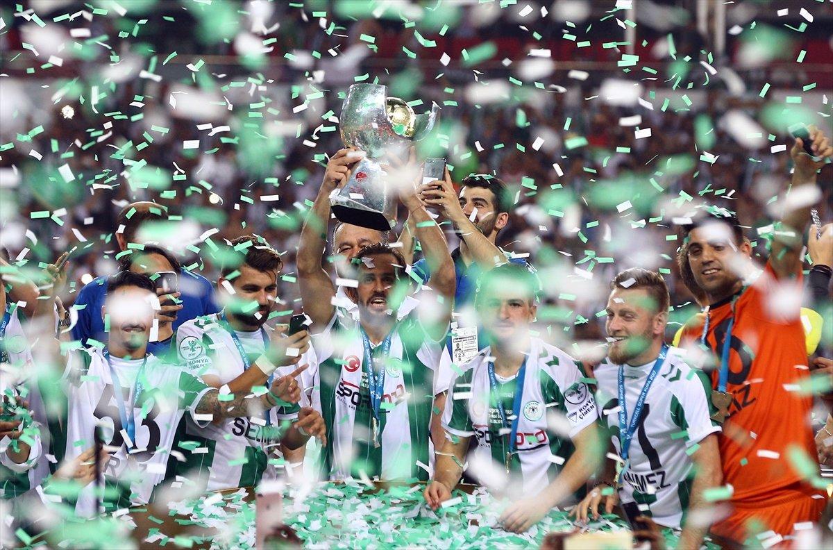 Konyaspor'un tarihi kupa töreni