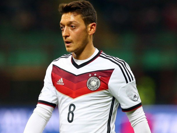 Mesut Özil neden Almanya milli takımını seçtiğini anlattı