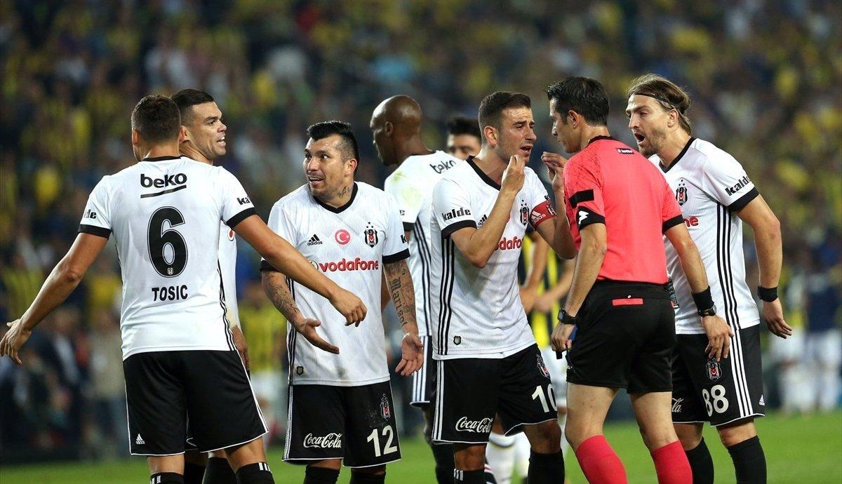 Beşiktaş'ta şok! Birbirlerine girdiler