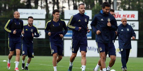 Ve Fenerbahçe'de yıldız isim kulübeye çekiliyor!