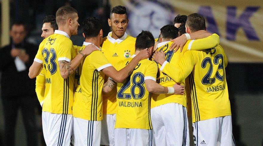 Fenerbahçe'de ilk 11 için büyük sürpriz! U21'den genç isim...