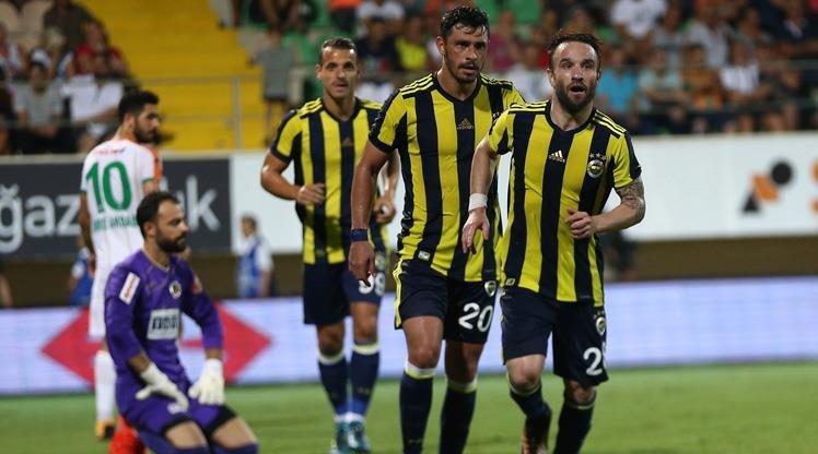Fenerbahçe'de sol beke bir isim daha! Premier Lig'den...