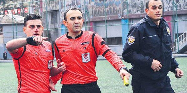 Hakemi ısıran Trabzonlu futbolcunun cezası belli oldu