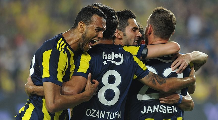 Fenerbahçeli futbolcudan flaş çağrı; Gel bağır