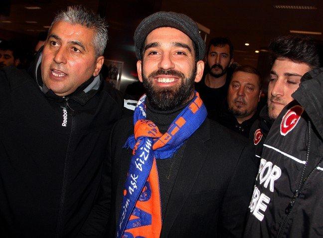 Arda Turan'a büyük şok! Barcelona'lı futbolcular...