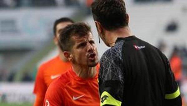 Emre Belözoğlu kaç maç ceza alacak? Gözler raporda
