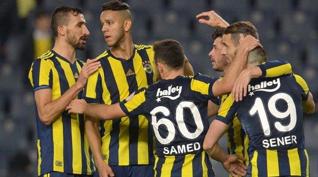Flaş! Fenerbahçe'de yıldız futbolcu geri döndü