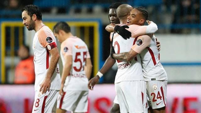 Galatasaray'ın transferini duyurdular! Sürpriz golcü