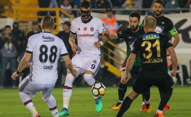 Beşiktaş savunması hem golcü hem savunucu