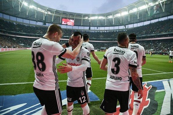 Flaş! Beşiktaş'a dev teklif yapıldı! Arsenal ve PSG...