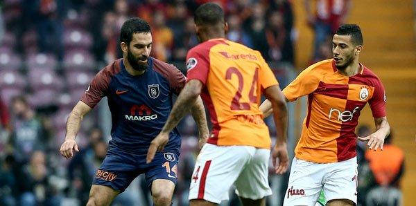 Galatasaray'ın yıldızı için derbiye geliyorlar! Transfer takibi