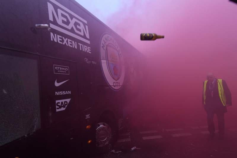 Manchester City otobüsüne saldırı! Liverpool'dan açıklama geldi