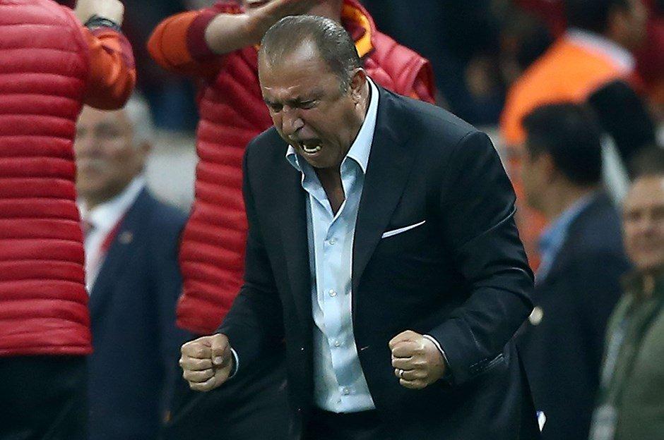 Galatasaray'da Fatih Terim'in gözdesi imzalıyor