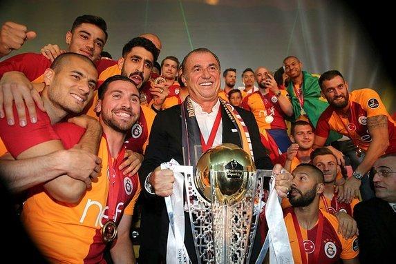 Schalke, Galatasaray'a rakip oldu! Transferde sürpriz