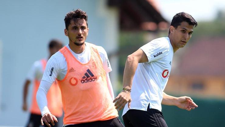 <h2> Mustafa Pektemek: Hoca kalmamı istiyor</h2>