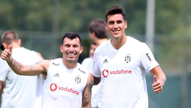 <h2>Enzo Roco: Beşiktaş'ın ilgisini duyunca duygulandım</h2>