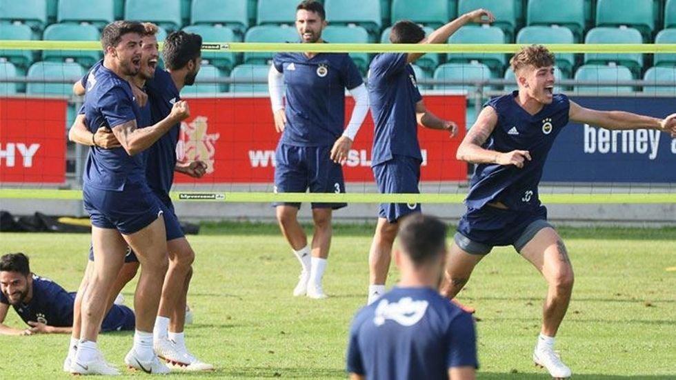 <h2>Fenerbahçe günü çift antrenmanla tamamladı</h2>