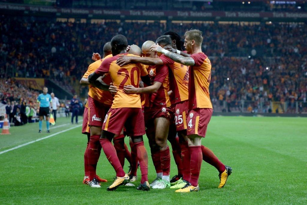 Galatasaray'ın bitmeyen transfer aşkı! Sürpriz gelişme