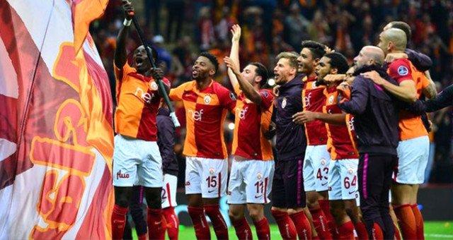 Galatasaray'ın gündemindeki ismin transferi zora girdi