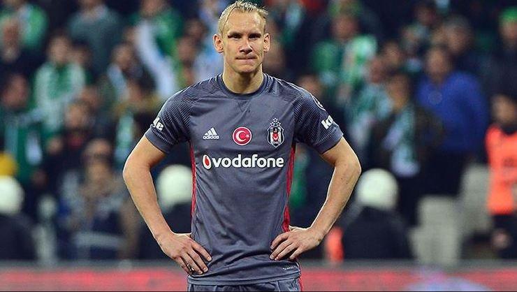 <h2>Beşiktaş'ta yönetim Domagoj Vida için resmi teklif bekliyor</h2>