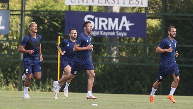 <h2>Fenerbahçe antrenmanlara başladı</h2>