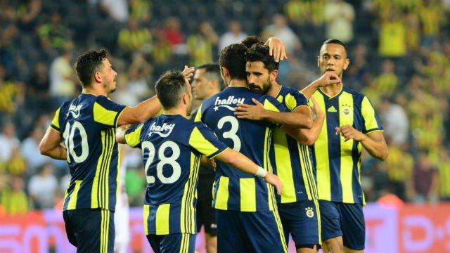 Fenerbahçe'de flaş gelişme! 7 isimle yollar ayrılıyor
