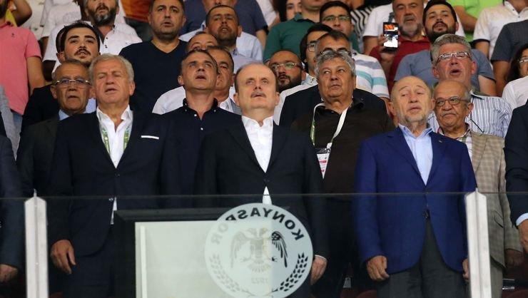 <h2>Mircea Lucescu, Süper Kupa'yı tribünde izledi</h2>