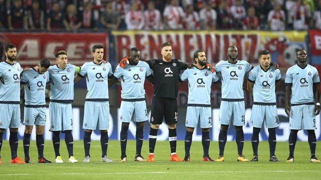 Ve transfer Fenerbahçe'ye kaldı! İşte yeni stoper