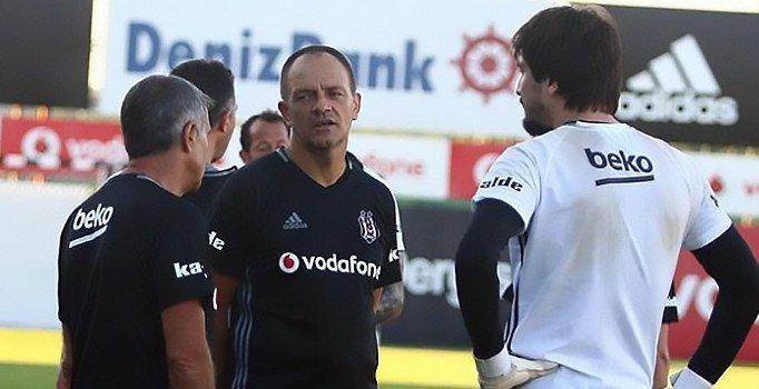 <h2>Beşiktaş'ın kaleci antrenörü Marjan Mrmic: Fenerbahçe'nin sorunları var</h2>
