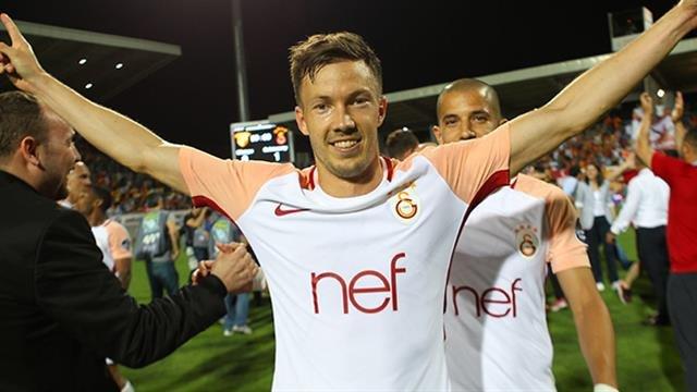 'Galatasaray'dan Martin Linnes'in yüzünü güldürecek karar