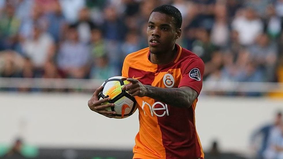 <h2>Garry Rodrigues'in kefili Fatih Terim</h2>