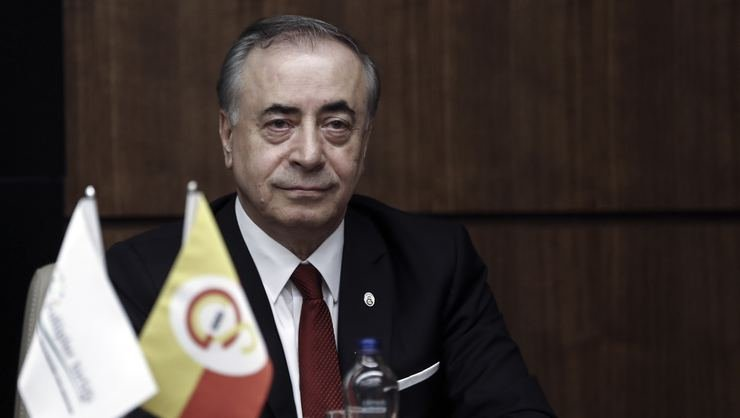 <h2> Galatasaray'da başkan Cengiz UEFA ile görüşecek</h2>