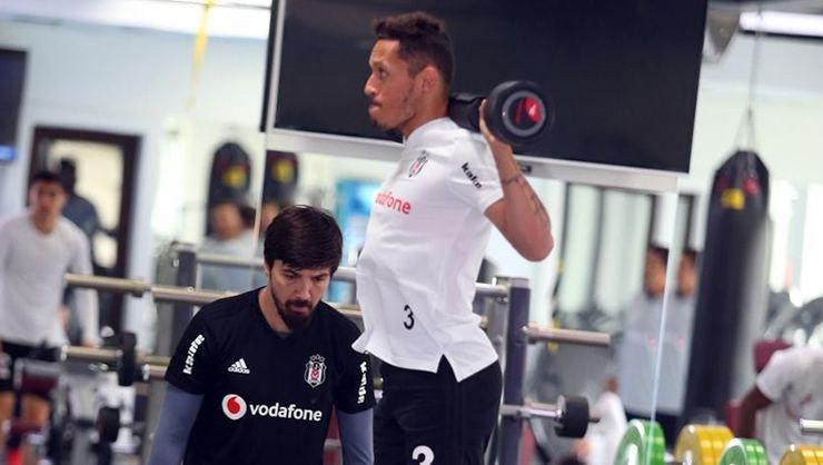 <h2>Beşiktaş'a Adriano müjdesi!</h2>