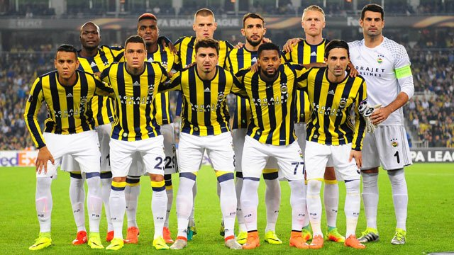 FLAŞ! Fenerbahçeli eski golcüyü Galatasaray'a önerdiler!