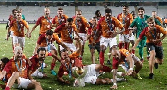 Galatasaray'dan ayrıldı, kulüp bulamadı!