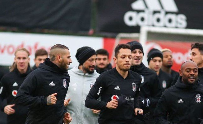 <h2>Beşiktaş'ta Sarpsborg 08 maçının hazırlıkları başladı</h2>