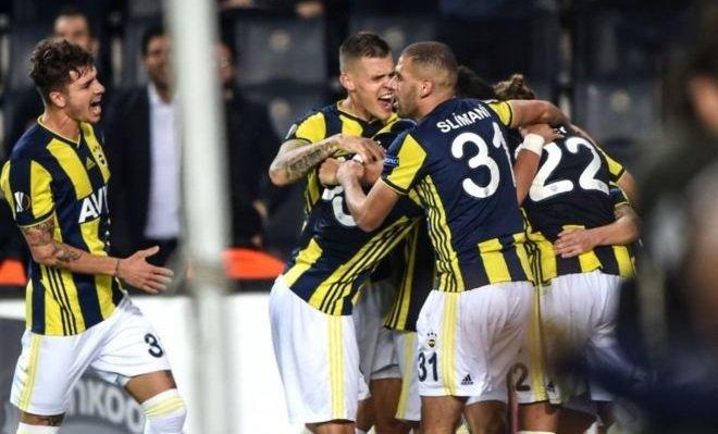 Fenerbahçe ve Beşiktaş arasında yılın takası gerçekleşiyor!