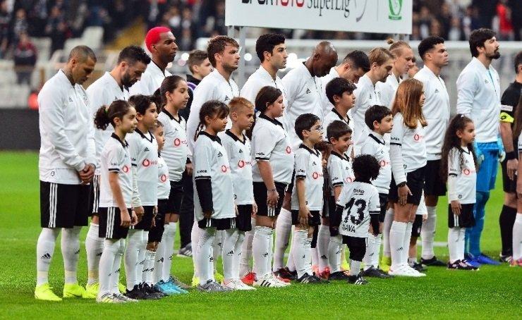 Fenerbahçe ve Galatasaray'ın transfer yarışı! Beşiktaş'ın yıldızına kanca