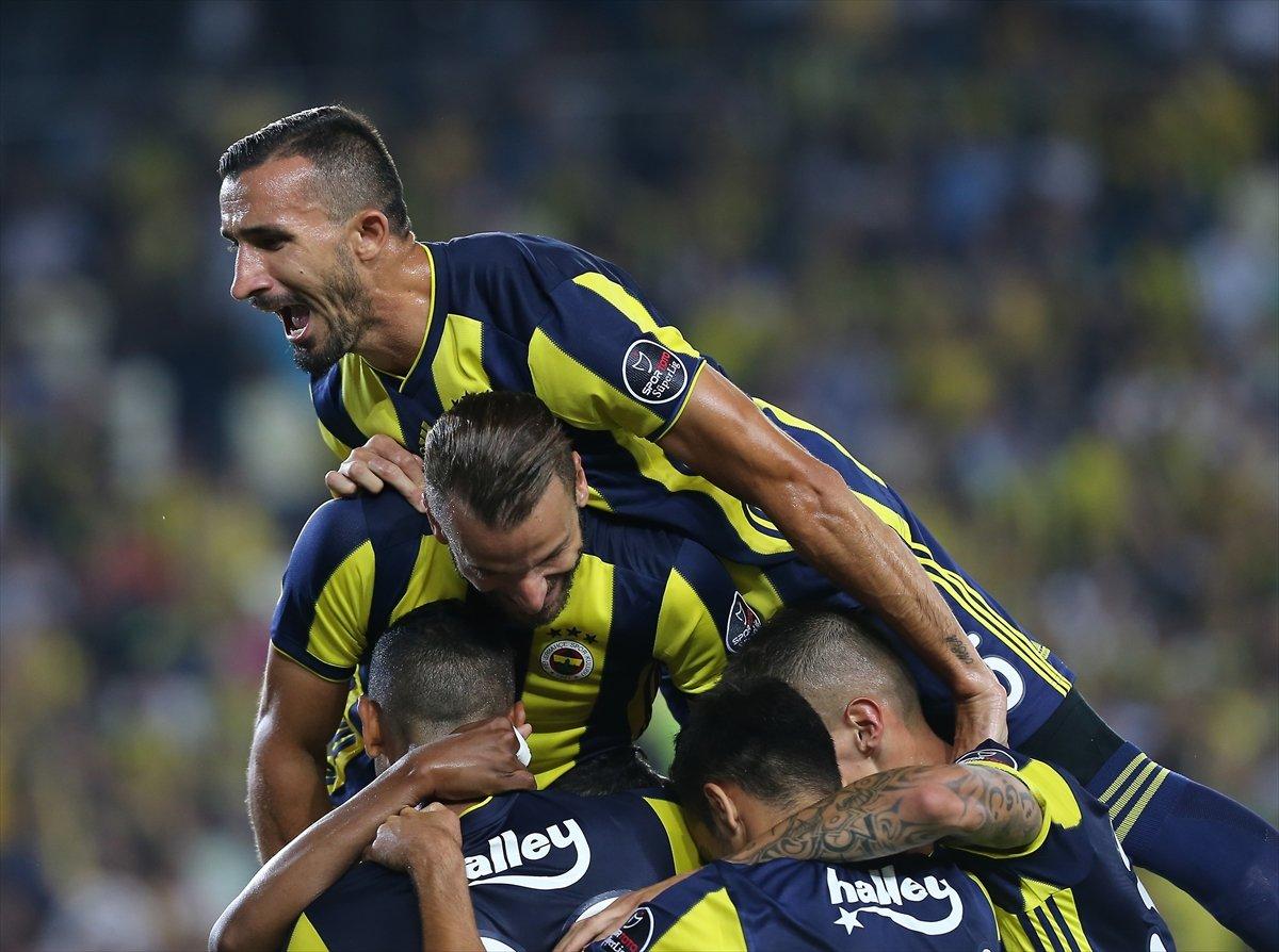 Fenerbahçe'de resmen anlaşma! Yıldız oyuncudan 1 yıllık imza