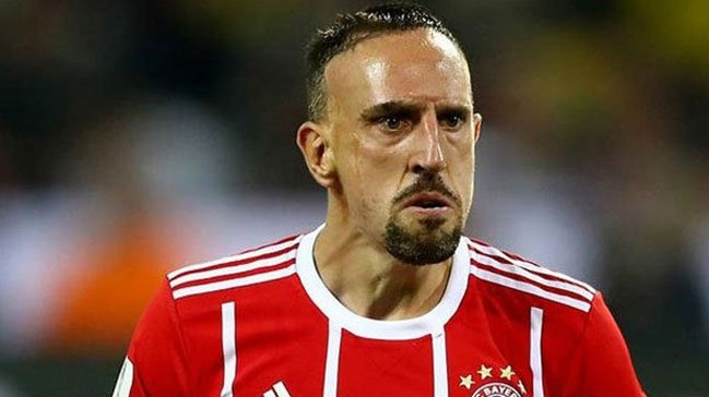 Ribery'den olay hareket! Yorumcuyu dövdü